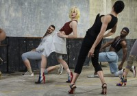Video incredibil! Louboutin heels dance!