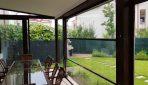 Sistemul VertiGlass, soluţia pentru terase cochete. Cum transformăm o terasă cu ajutorul pereţilor de sticlă